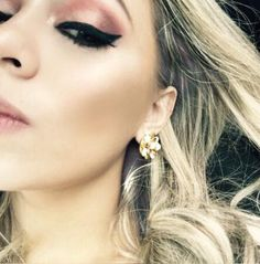 Delineador  maquilladores eyeliner greeneyes sombras contours iluminador highlights balm mac kryolan  beautiful fashion  blonde https://www.facebook.com/I-love-makeup-825672237528057/