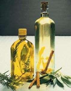 How to Make Scented Oils With Herbs