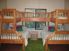 Cute Awesome Bunk Beds for House Indoor Furniture: lovable-style-for-building-the-awesome-bunkbeds-with-letter-u-shape-which-using-the-wooden-matter-as-the-frames-in-brown Cool Bunk Beds, Bunk Beds With Stairs, Kids Bunk Beds, Pallet Bunk Beds, Loft Spaces, Small Spaces, Small Rooms, Bunkbeds For Small Room, Kids Rooms