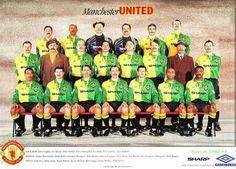 Manchester United go retro Retro Football, Football Design, Football Stuff, Eric Cantona, Man Utd News, Manchester United Players, Premier League Champions, Football Uniforms, Football Pictures