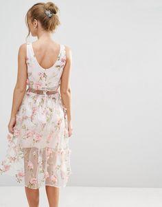 Imagen 2 de Vestido a media pierna con top corto y diseño floral en 3D de ASOS SALON