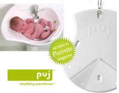 Puj baby tub...soft, light and easy to use.  Perfect for the littles!
