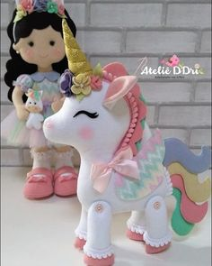 Amo el fieltro Credit to : Sewing Toys, Sewing Crafts, Sewing Projects, Foam Crafts, Diy And Crafts, Crafts For Kids, Unicorn Birthday Parties, Unicorn Party, Felt Fabric