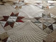 Oh my goodness...curved crosshatching to the max. I HAVE to try this. quilting by Linda Bailey