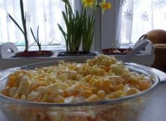 Sałatka Euforia - przepis ze Smaker.pl Macaroni And Cheese, Curry, Ethnic Recipes, Food, Mac And Cheese, Curries, Eten, Meals, Diet