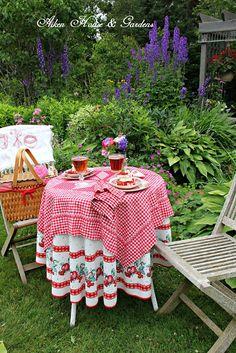 Aiken House & Gardens: A Gingham Garden Tea