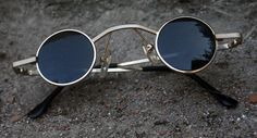 Small round gold metal sunglasses Goth Steampunk door ViceVelsa