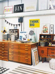 Home office storage via Mollie Makes Home {Magazine} Retro, Home Office Storage, Dream Studio, House And Home Magazine, Decoration, Workspace Inspiration, Office Decor, Casa Ideal, Graphic Design
