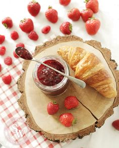 Try serving your homemade strawberry and raspberry jam with freshly baked croissants Easy Jam Recipe, Raspberry, Strawberry, Jam Recipes, Summer Treats, Croissants, Freshly Baked, Main Meals, I Foods