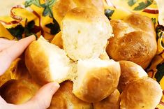 PW Dinner Rolls – No Kneading Required! Might need to half this recipe and make it for Thanksgiving this year!