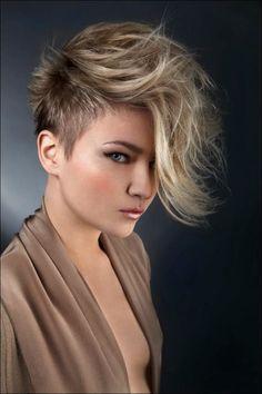 Kuvahaun tulos haulle women's haircut short sides long top