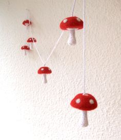 Alice in Wonderland mushroom garland 6 medium felted by astashtoys, $42 5cm high & 1.5m long