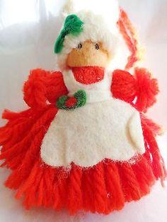 Hand Made Yarn Ball Santa /& Mrs Claus Face Christmas Ornaments