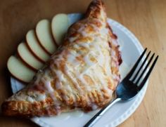 Apples and cinnamon are a heavenly duo in this recipe for Classic Apple Turnovers. These crispy treats are perfect for breakfast or dessert! Fall Dessert Recipes, Apple Desserts, Dessert Ideas, Delicious Desserts, Apple Cheesecake, Cooked Apples, Sliced Apples, Puff Pastry Recipes, Apple Turnovers With Puff Pastry