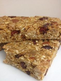 Best Homemade Healthy Granola Bars Recipe-Energy Bars I made these tonight and my kids AND husband loved them!! I subbed dark choc chips for the cranberries and they were very yummy!