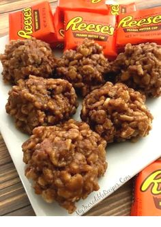 Bake Reeses Krispy Cookies Drop cookies from my favorite candy. No Bake Reeses Krispy Cookies.I need these in my life!Drop cookies from my favorite candy. No Bake Reeses Krispy Cookies.I need these in my life! Candy Recipes, Baking Recipes, Cookie Recipes, Dessert Recipes, Recipes Dinner, Restaurant Recipes, Pasta Recipes, Pasta Sauces, Snack Recipes