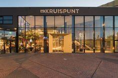 Het Kruispunt – Barendrecht Foyer, Garage Doors, Restaurant, Outdoor Decor, Room, Furniture, Home Decor, Bedroom, Decoration Home