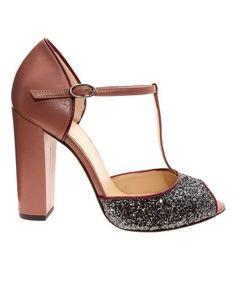 Zapatos para invitadas tipo peep toe con un tacón block 11,5cm.