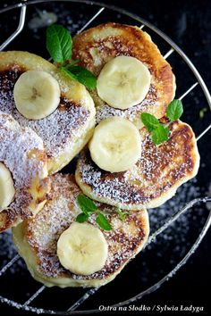 Bourdaloue tart with wheat flour, cereals and seeds - Healthy Food Mom Gourmet Recipes, Sweet Recipes, Cooking Recipes, Healthy Recipes, Pistachio Pesto, Dessert, Easy Cooking, Food Inspiration, Food Print
