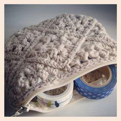 Trousse au crochet . Chouette kit .