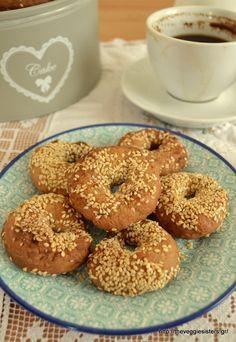 Κουλουράκια κρασιού - The Veggie Sisters Bagel, Diet Recipes, Biscuits, Sisters, Veggies, Sweets, Bread, Vegan, Cookies