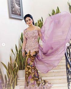 Model Kebaya Modern, Brokat, Fashion Outfits, Lifestyle, Formal Dresses, Rv, Wedding, Models, Clothes