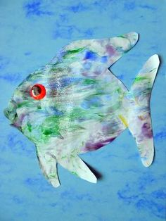 Shaving Cream Painted Rainbow Fish via Little Wonders' Days