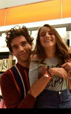 Mika with a fan in Italia ❤