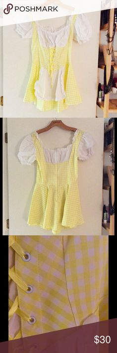 Halloween Costume Adorable yellow gingham, zip up back. Optional white underskirt to make bottom poof out Leg Avenue Dresses Mini