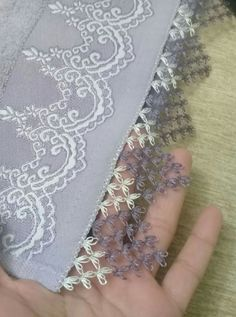 This post was discovered by Meryem ERKAN. Discover (and save!) your own Posts on Unirazi. Needle Tatting, Tatting Lace, Needle Lace, Crochet Trim, Crochet Motif, Crochet Patterns, Lace Embroidery, Embroidery Stitches, Embroidery Designs