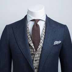 Great combo, would look great with tan pants that match the vest, and knee hight riding boots that match the tie. www.memysuitandtie.com/