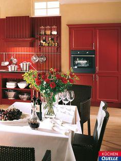 Die Einbauküche Systema 6035 Karminrot Ist Ein Traum Von Einer  Landhausküche: Gemütlich, Verspielt Und