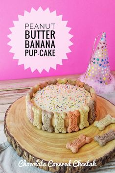 Rock your dogs world with this homemade Peanut Butter Banana Pup Cake! Healthy peanut butter banana whole wheat cake wit. Dog Cake Recipes, Dog Biscuit Recipes, Dog Treat Recipes, Dog Food Recipes, Dog Safe Cake Recipe, Dog Cake Recipe Peanut Butter, Puppy Treats, Diy Dog Treats, Homemade Dog Treats