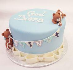 The cutest fondant bear cake!