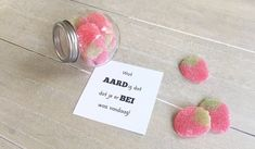 Origineel communie bedankje met aardbeien Cute Teacher Gifts, Cute Gifts, Homemade Gifts, Diy Gifts, Bingo, Get The Party Started, New Home Gifts, Diy Party Decorations, Thank You Gifts