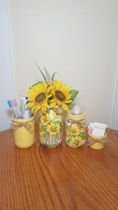Bathroom Yellow Decor 57 Ideas For 2019 Yellow Bathroom Decor, Yellow Bathrooms, Bathroom Sets, Garden Bathroom, Sunflower Bathroom, Sunflower Kitchen, Sunflower Garden, Mason Jar Crafts, Mason Jars