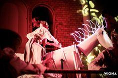 Oratório de Sta Luzia 2016. O Cavalo do sacrifício! Direção Luciana Duarte Música Danilo Guanais Dramaturgia e figurinos João Marcelino. Foto de Wigna Ribeiro