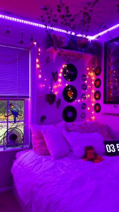 Indie Room Decor, Cute Bedroom Decor, Room Design Bedroom, Room Ideas Bedroom, Bedroom Inspo, Chill Room, Cozy Room, Pinterest Room Decor, Neon Bedroom