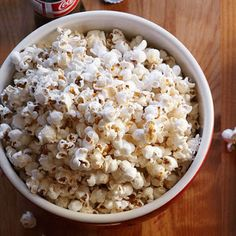 Homemade Kettle-Style Popcorn #snacks #party #kid
