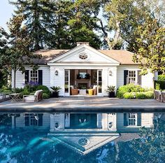 Colonial Revival Residence. California, United States. Source : Architecturaldigest.com