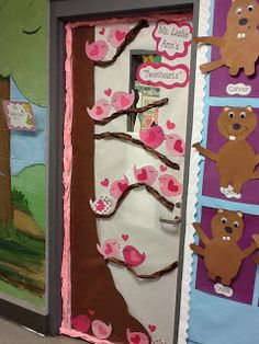 Life in First Grade: Valentine's Door! How cute is that!!
