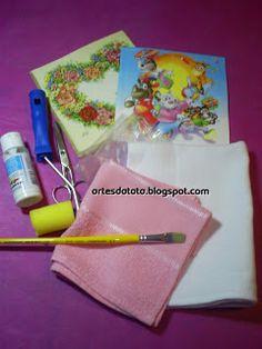 """°• """"Artes da Táta"""" •°: Apostila de Decoupage em Tecido Napkins, Lunch Box, Tableware, Hand Soaps, Fabrics, Toddler Girls, Craft, Dinnerware, Towels"""