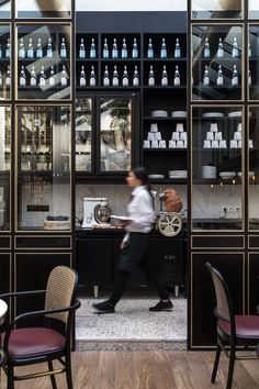 Papillon: Channelling the Flair of Parisian Bistros in the Athenian Suburbs | Yatzer