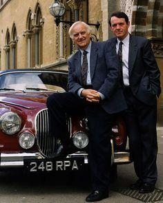 John Thaw (1942-2002) vertolkte 33 keer de rol van Inspector Morse, de door Colin Dexter bedachte norse rechercheur uit Oxford. Zijn rechterhand Robbie Lewis (gespeeld door Kevin Whately) kreeg na zijn dood een eigen televisieserie.