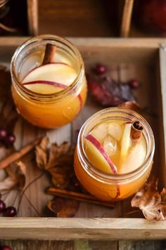 Apple Cider Ginger Beer Cocktail Enjoy the crisp flavors of fall with this tasty apple cider ginger beer cocktail! Spike with vodka and top with cinnamon sticks. So delicious! Great for autumn parties. – Cocktails and Pretty Drinks Easy Drink Recipes, Sangria Recipes, Beer Recipes, Cocktail Recipes, Fall Recipes, Apple Cocktails, Fall Cocktails, Holiday Recipes, Fun Drinks