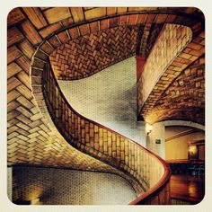 Rafael Guastavino Moreno - VAULTED STAIRCASE IN BAKER HALL AT CARNEGIE MELLON UNIVERSITY, Pittsburgh, Pennsylvania
