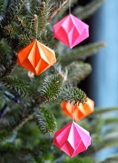 Best DIY Projects: Origami diamond ornaments