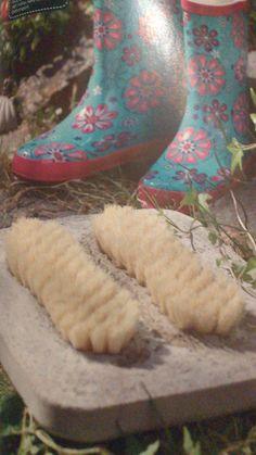 Schuhbürsten in Beton