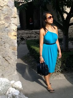 Style Empire - Henkaa, Ivy Convertible Dress is the perfect dress to pack for traveling! Chenessa expertly packs only a carry-on for her vacations! Infinity Dress Styles, Convertible Dress, Woman Clothing, Ivy, Vacations, Empire, Fashion Dresses, Traveling, Clothes For Women