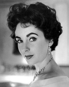 Elizabeth Taylor. I believe this is a Cecil Beaton photo.